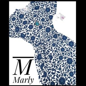 *NEW Style* Marly M blue/white floral w/pockets
